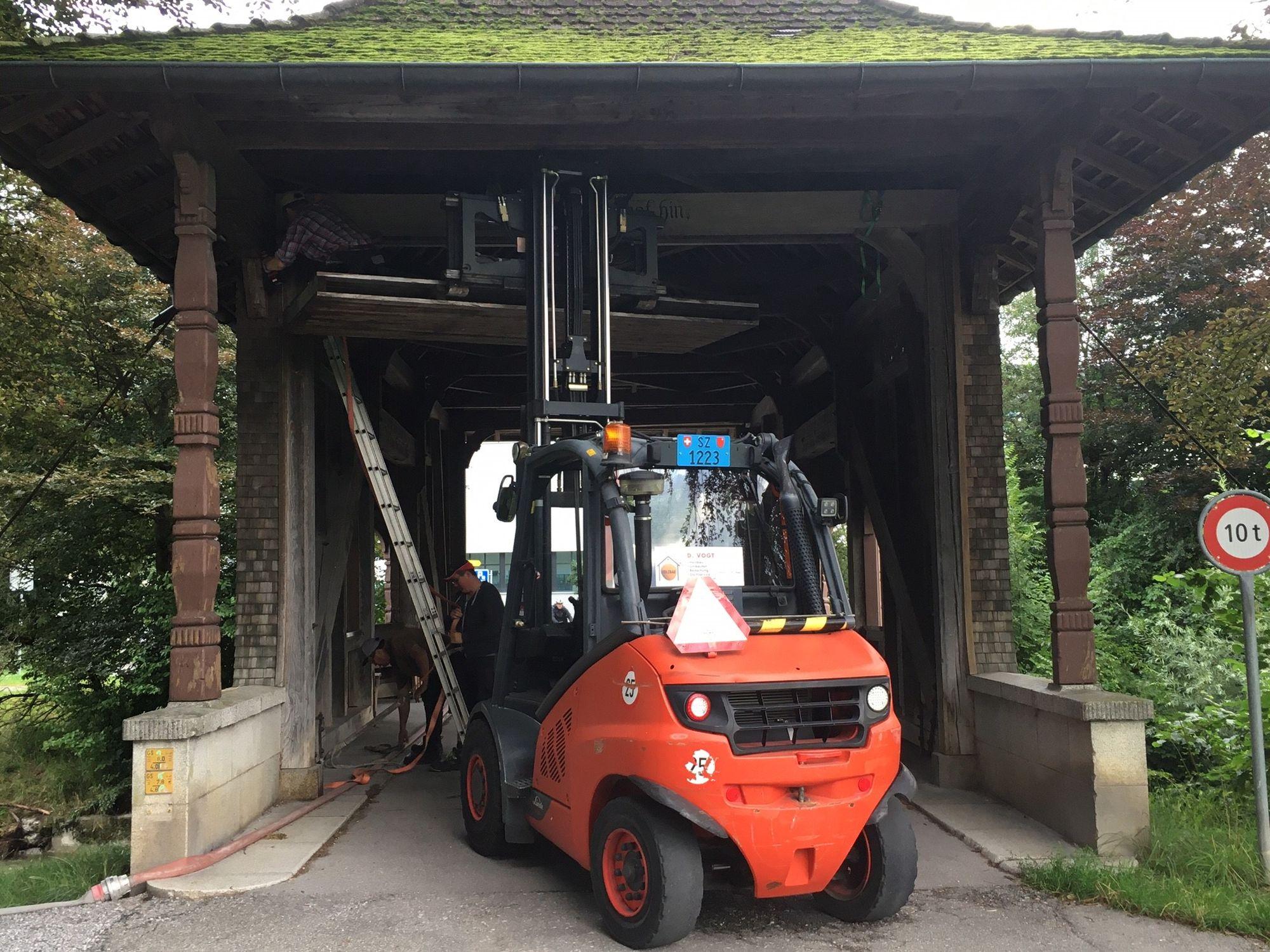 Die Reparaturarbeiten sind bereits abgeschlossen und die Brücke ist wieder befahrbar (Foto: Ortsgemeinde Schmerikon)