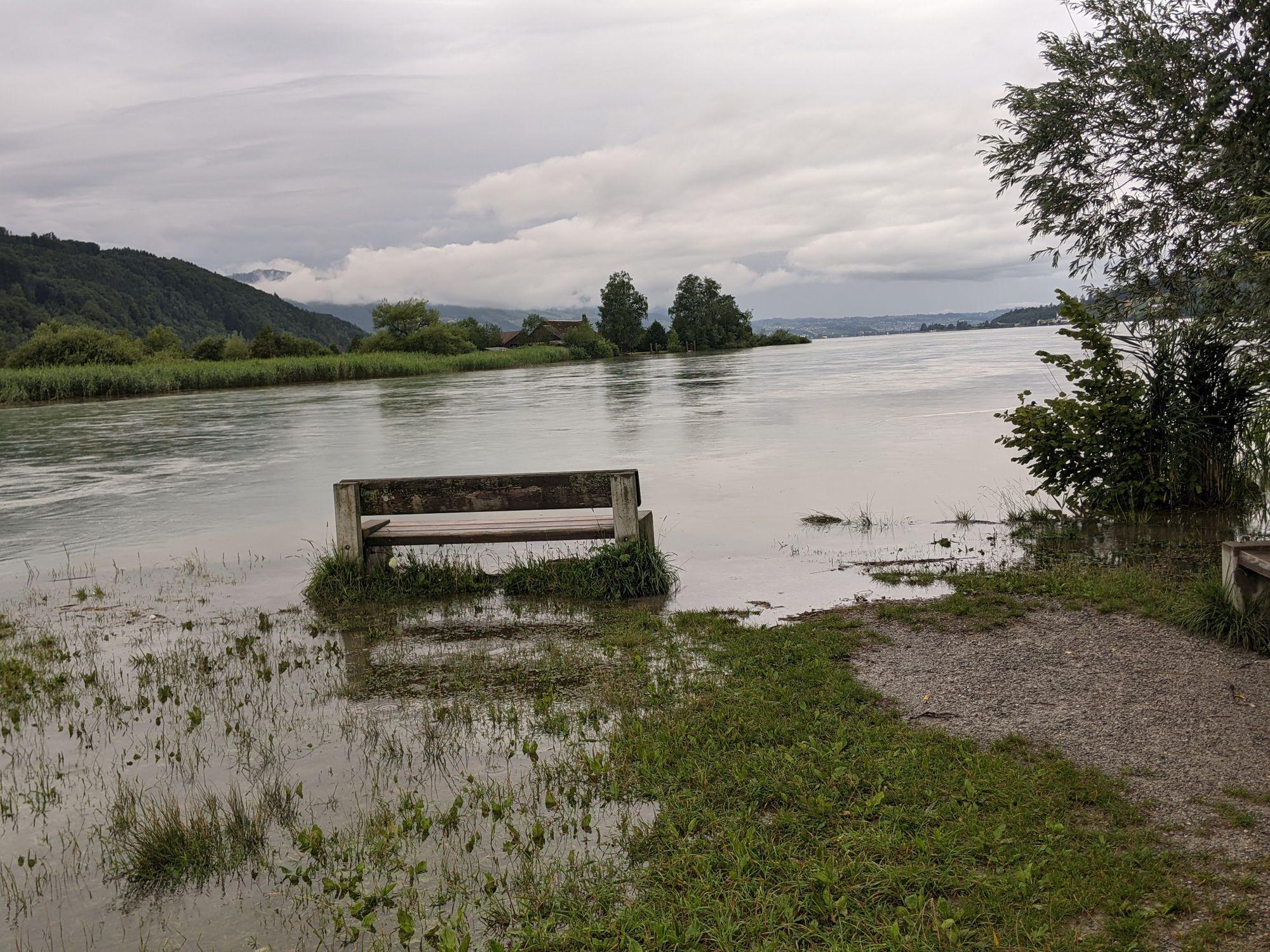 Hochwasser an der Linthmündung in Schmerikon (Foto: Thomas Müller, 8716.ch)