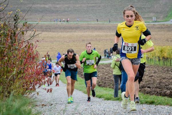 Livia Wespe läuft Juniorinnenrekord am Walliseller Lauf